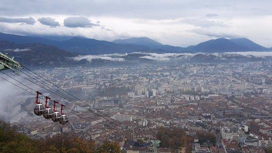 Uriage les Bains, Frankrig: Teleférico de Grenoble