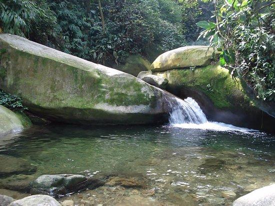Paranapiacaba, SP: Poço Formoso área de banhos e quedas de água em plena serra do mar