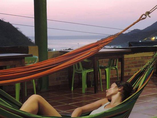 La Casa de Felipe Hostel: Terraza con hamacas! Corre lindo viento!