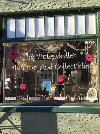 Lacombe, Canadá: Antiques and Collectibles Galore !!  Www.thevintagebelles.com
