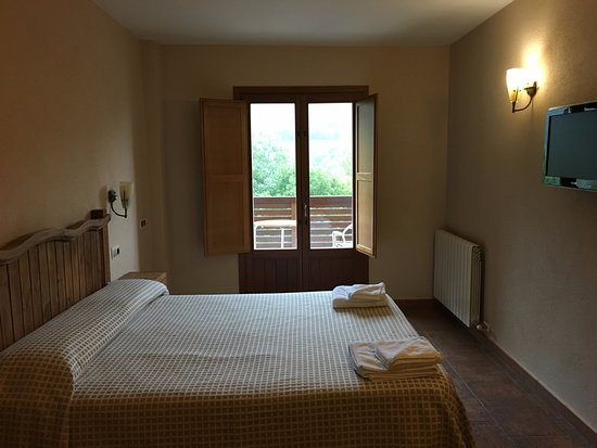 Queralbs, Spain: Large room with a balcony