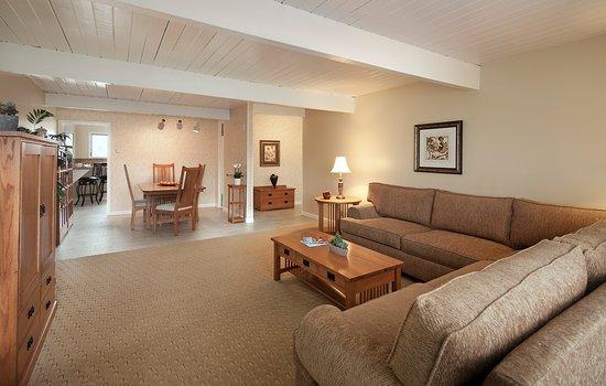 Best Western Plus Encina Lodge Suites 2 Bedroom Suite With Kitchen Living Room