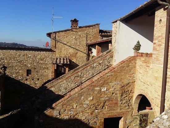 카스텔로 디 몬텔리스카이 사진