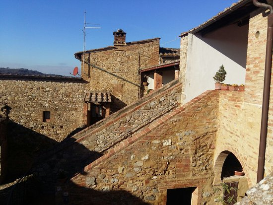Castello di Monteliscai: IMG-20170101-WA0046_large.jpg