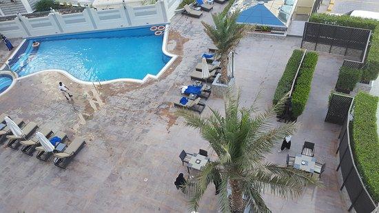 City Premiere Marina Hotel Apartments Vue De La Piscine Du 3 ème étage