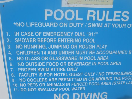 Dolphin Beach Resort : Not very welcoming to couples only!!! But welcomes kids!