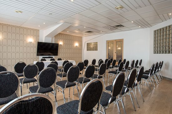 Rouyn-Noranda, Canada: Nous recevons vos conférences de presse. Host your press conference in one of our conference roo