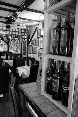 Broadstone, UK: Wine