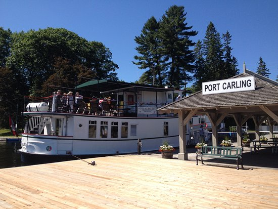 Port Carling dock Peerless II with guests for an 80th Birthday Celebration cruise.