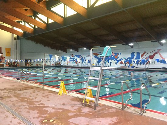 Larry R. Walkup Aquatic Center