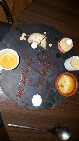 Tournon-sur-Rhone, France: café gourmand