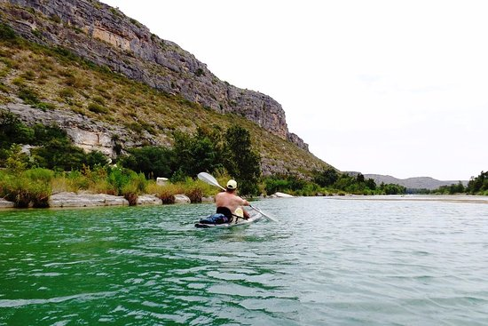 Del Rio, TX: Kayaking on the Devils River