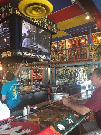 Overland Park, KS: bar