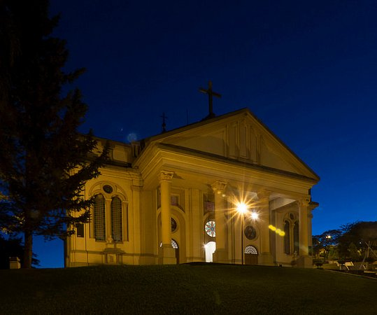 Igreja Matriz de Vale Vêneto: à noite