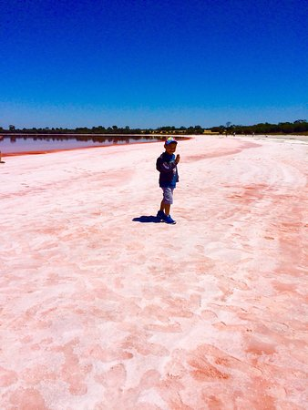 lake hillier australia how to get there
