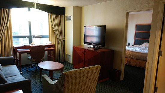 82 living room times square nyc doubletree suites for W living room new york