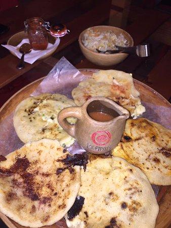 Ticuantepe, Nikaragua: Pupusas de diversos sabores
