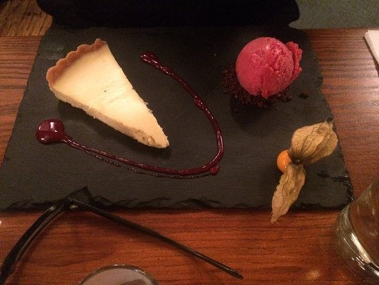 Hythe, UK: Fantastic steaks and sublime desserts!! DELICIOUS!!