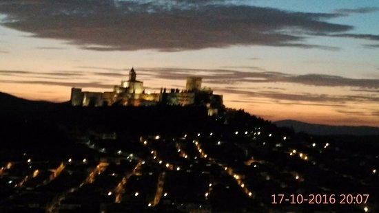 Alcalá la Real, España: Las vistas mientras estiro después de una sesión de runnig.