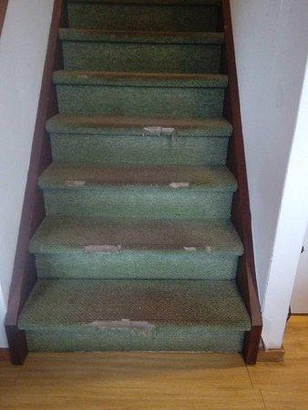 Hazerswoude Rijndijk, Países Bajos: escalier des chambres dans l'appartement