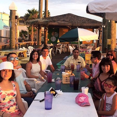 Palm Street Pier Restaurant and Bar: It was a great day, my sister got engaged and the lady dedicated them a song to dance to it was