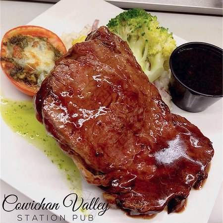 Duncan, Canadá: Another look at our famous Prime Rib!!! *Only Available Thursdays & Staurdays