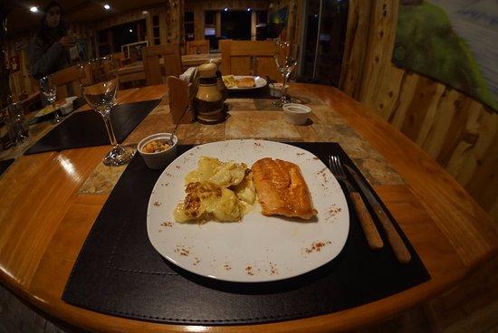 Futaleufu, Chile: Salmón con papas rústicas