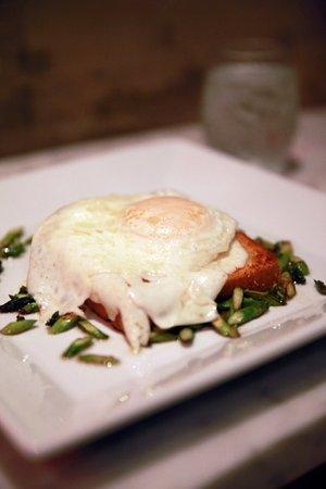 "Garrison, Нью-Йорк: Egg Truffle ""toast"""