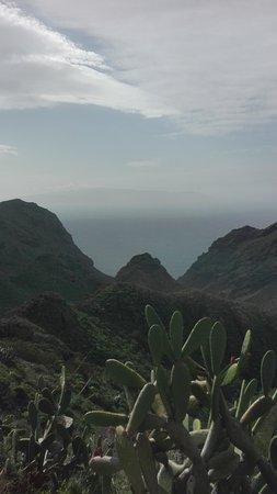 Los Alisios: onderweg vanaf de Teide in de verte eiland Gomera.