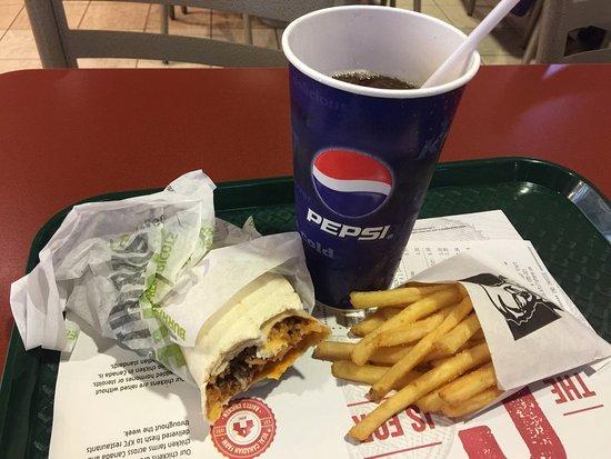 ปรินซ์จอร์จ, แคนาดา: Cheesy meaty burrito