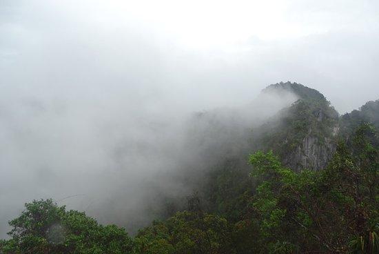 Regen En Zonneschijn : Na regen komt zonneschijn bild von tiger cave temple wat tham