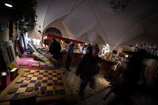 Кьюза, Италия: Bellissima bottega medievale in occasione del mercatino medievale di natale dal 24 nov al 20 dic