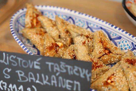 c4a63c14a1 Listové taštičky s balkánem - Picture of Omam - world on the plate ...