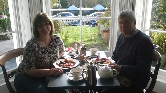 Tavistock, UK: Fantastic breakfast in the wonderful window seats of the breakfast room,.