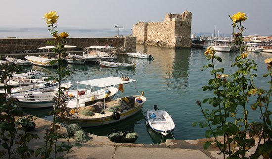 Byblos Sur Mer: The ancient wharf and dock area near the hotel.