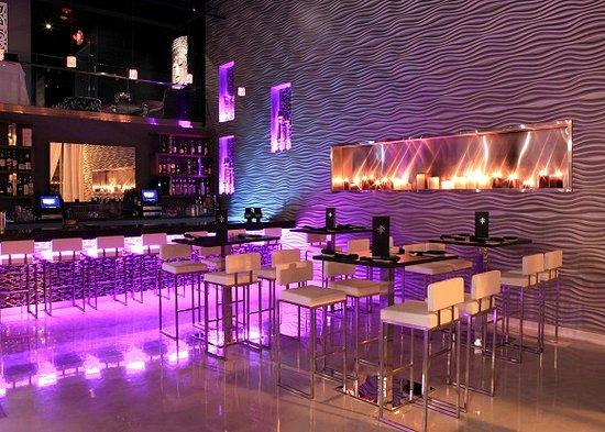 Libertyville, IL: bar area