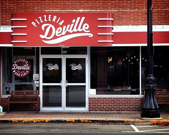 Libertyville, IL: Pizza in the 'Ville