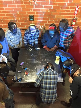 Glendale, Californië: Come learn to weld, either for fun or to learn a new skill.