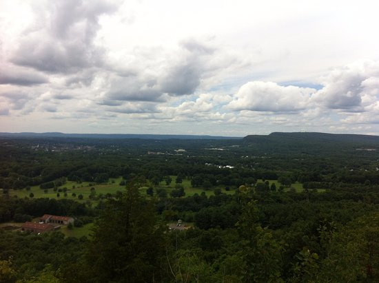 Meriden, CT: A view from Chauncey Peak