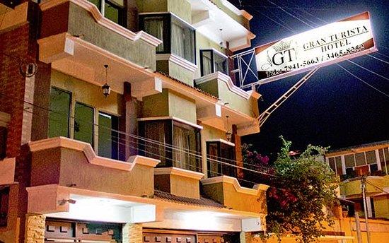 Zacapa, Guatemala: Front view of Hotel