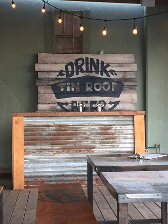 ‪Tin Roof Brewery‬