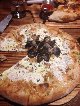 Good Pizza Review Of Angelinas Kitchen Staten Island NY - Angelinas kitchen staten island