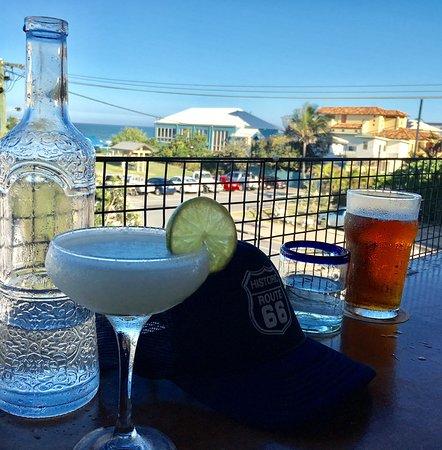Palm Beach, Australia: Sitting on the deck enjoying a drink