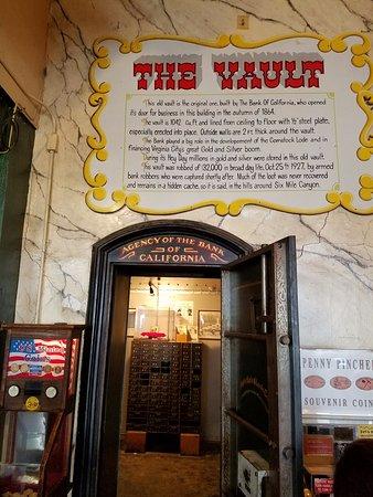 Ponderosa Saloon : The Vault