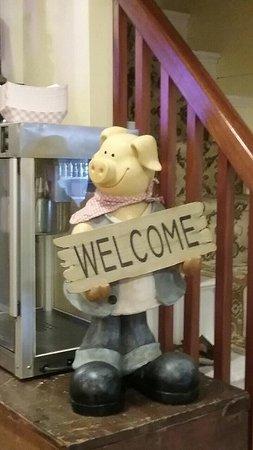 Jonesboro, Μέιν: Swamp Yankee BBQ mascot