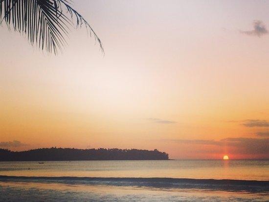 Dusit Thani Laguna Phuket: Sun set over the sea