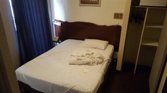 Carib Hotel: 20170101_085749_large.jpg