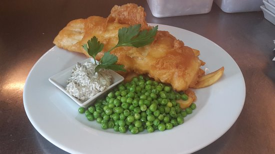 Ivybridge, UK: Traditional Fish & Chips