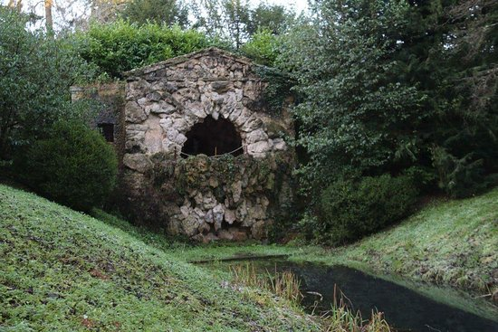 Buckingham, UK: The grotto