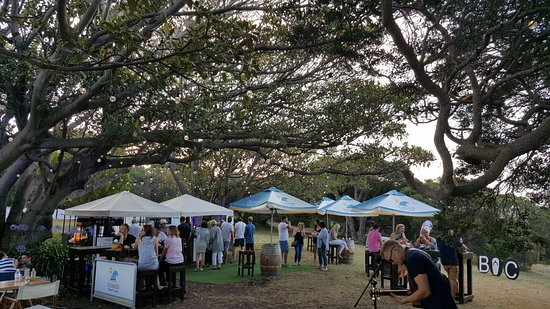 Portsea, Australia: Live music from great local artists from 6:30pm, Happy Hour from 6-7pm